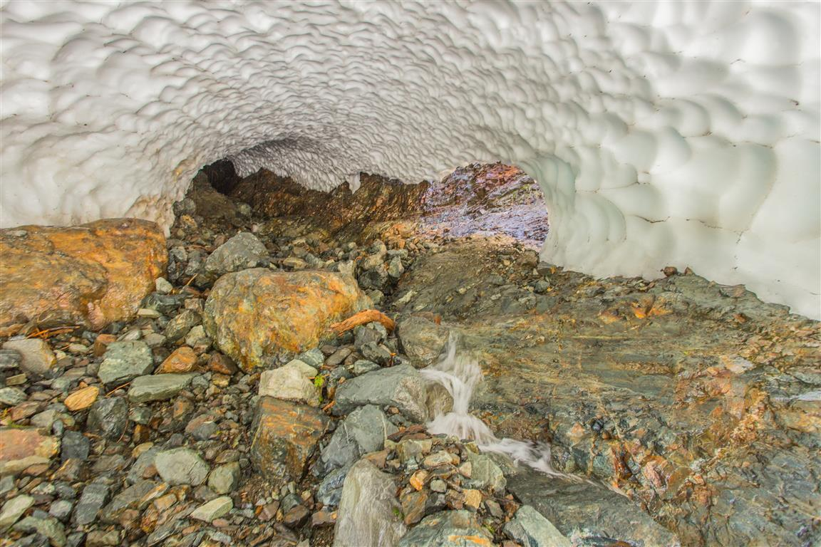 Inside Snow Cave 2