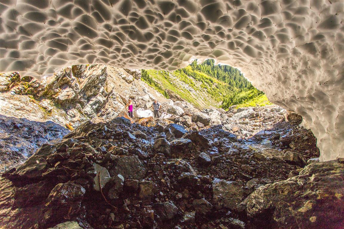 Inside Snow Cave 2