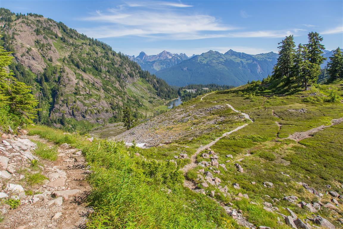 Wild Goose Trail to Bagley Lakes
